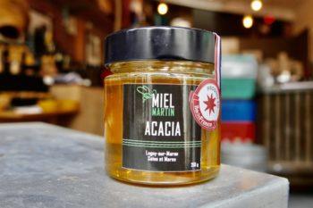 Miel d'acacia récolté en Ile de France